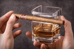whiskey sigaarglas