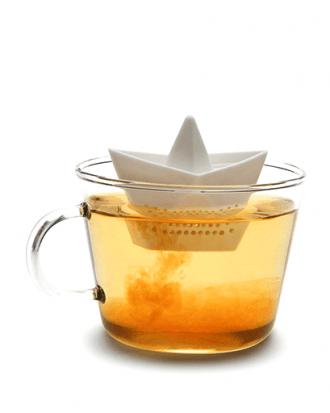 drijvend bootje thee ei